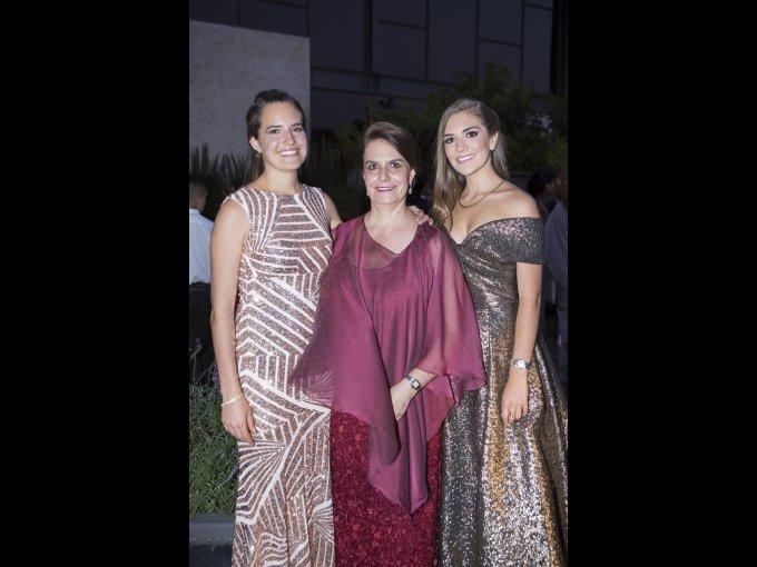 Valentina de Leo, Patricia Velasco y Stefanía de Leo