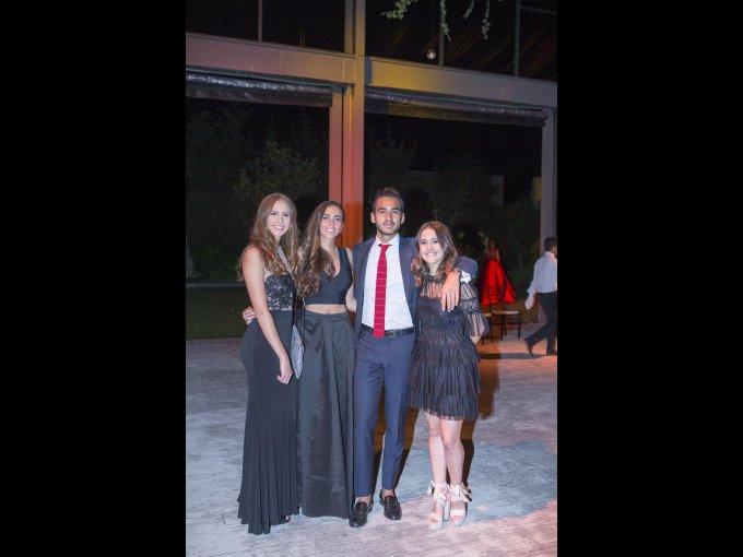 Constanza Giesemann y Luciana Giesemann con Iván Mendoza y Lorenza García