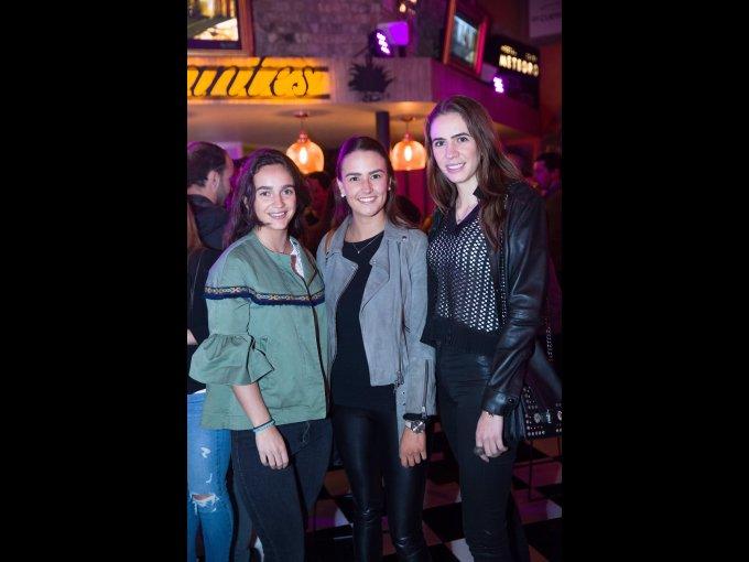 Ximena Fuentes y Paulina Fuentes con Paula Terlon