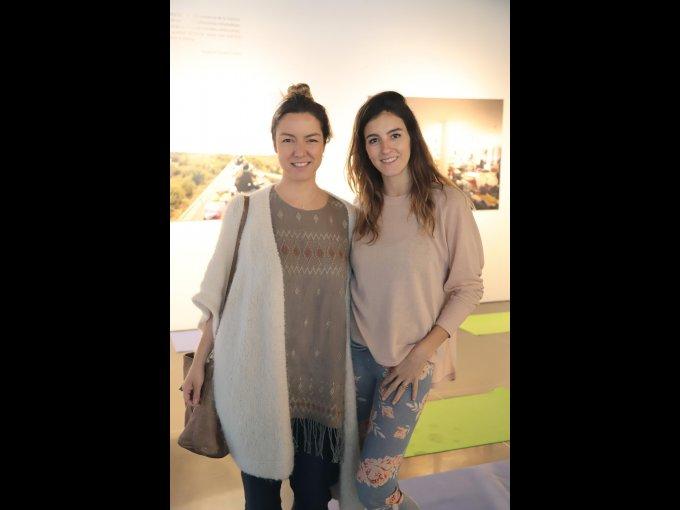 Roxana Castaños con Johanna Lovera