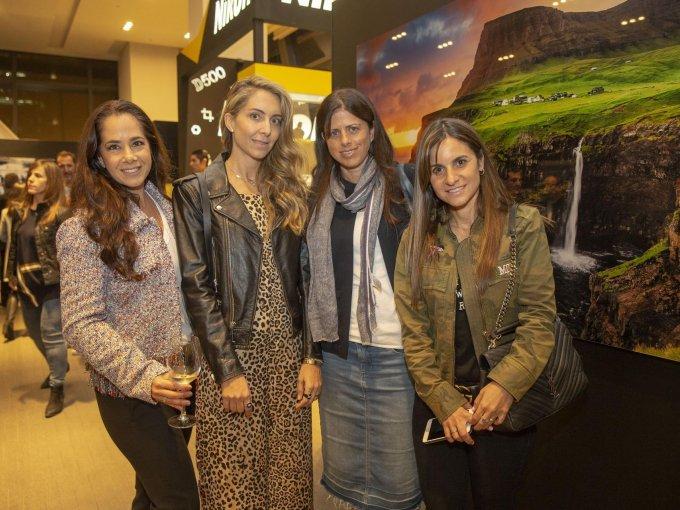 Karen Amkie y Loren Cherem con Sofía y Tere Levy