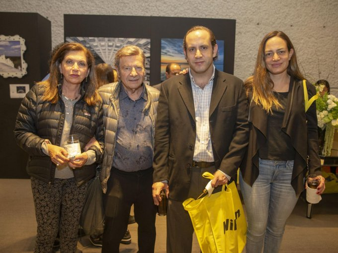 Sara y Rafael Sutton con David Kury Ana Gabriela Kuri