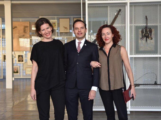 Raquel Bañón, Carlos Carbajal y Karen Huber