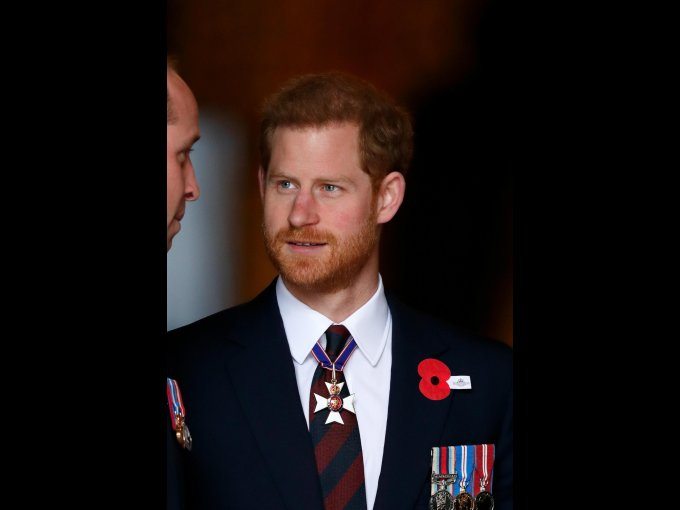 En abril de 2006, el príncipe Harry, terminó su formación como oficial y actualmente tiene el rango de teniente
