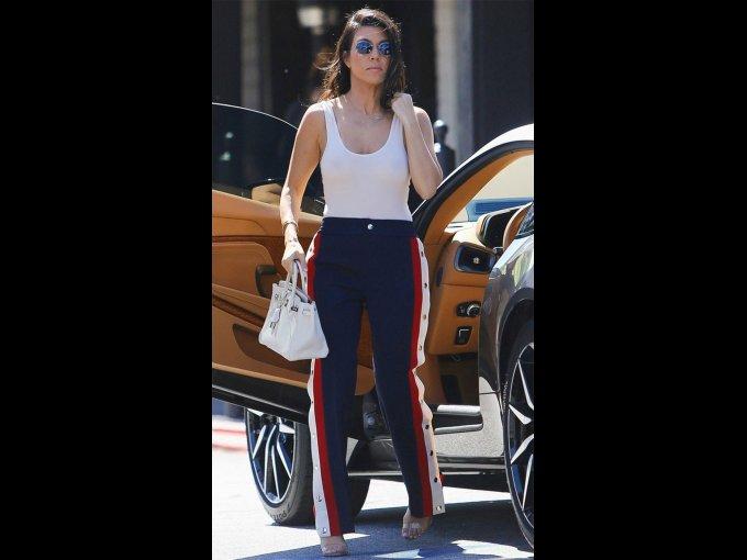 Pants con corchetes y tank top blanca