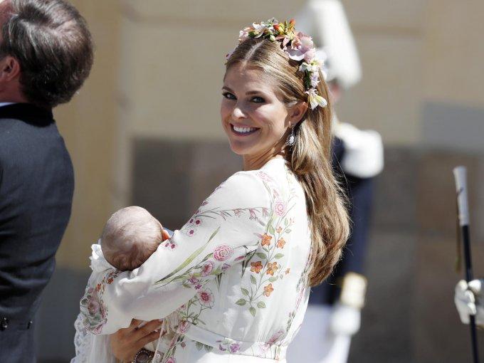 La princesa Magdalena, duquesa de Hälsingland y Gästrikland, obtuvo su diplomado en Artes en la Universidad de Estocolmo, e inició estudios de posgrado de Organización y Liderazgo