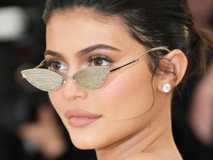 Kylie Jenner ha cambiado bastante con los años, sobre todo por las intervenciones quirúrgicas. Mira su transformación: