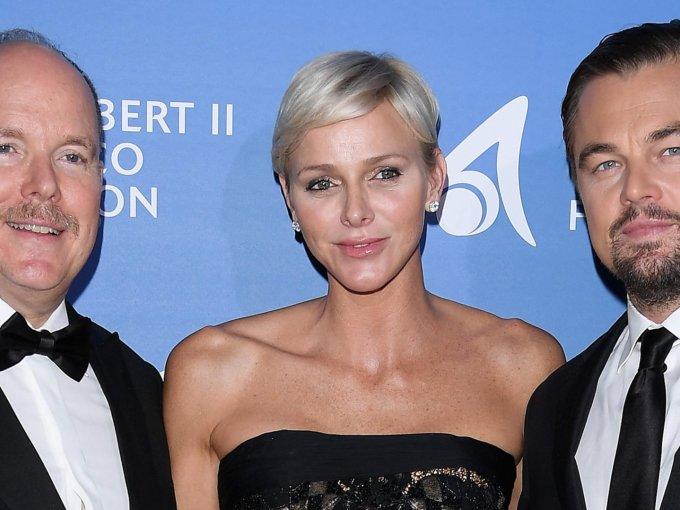 Alberto y Charlene de Mónaco con Leonardo Di Caprio