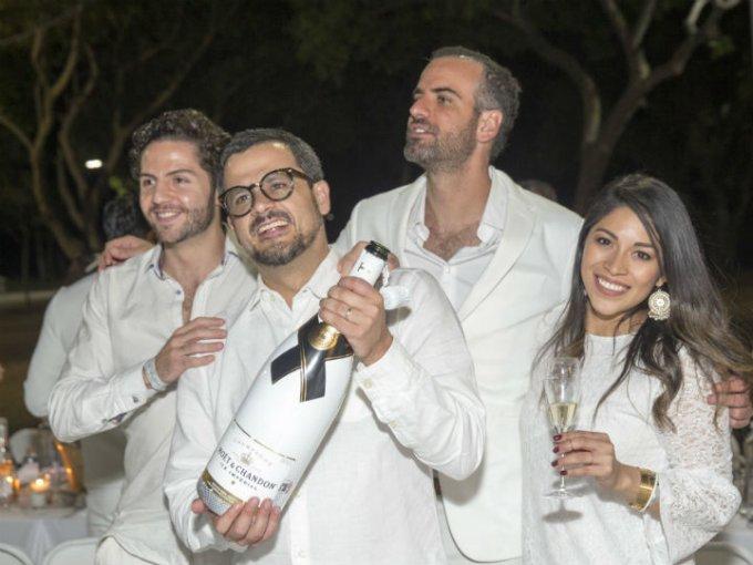 Gilles Jouanen, Pablo Escobar, Luis Manrique y Ale Estrella.
