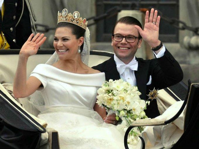 El entrenador y empresario Daniel Westling se casó con la princesa de Suecia Victoria en 2010. Ahora es príncipe de Suecia y duque de Västergörtland.