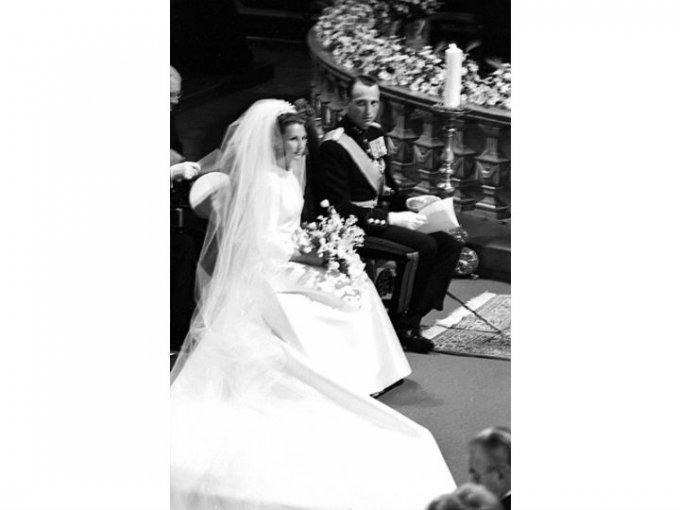 En 1968, el rey Olaf permitió el compromiso y la pareja contrajo matrimonio.
