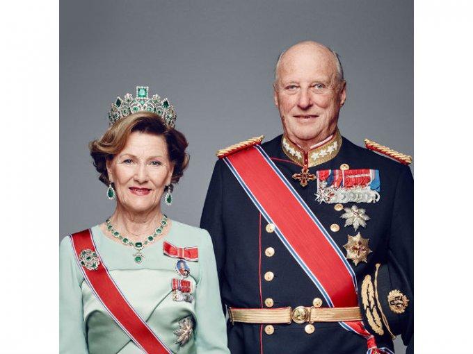 Actualmente, ambos son reyes de Noruega.