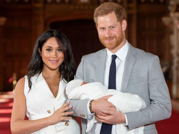 Meghan y Harry decidieron esperar dos días antes de presentar a su bebé.