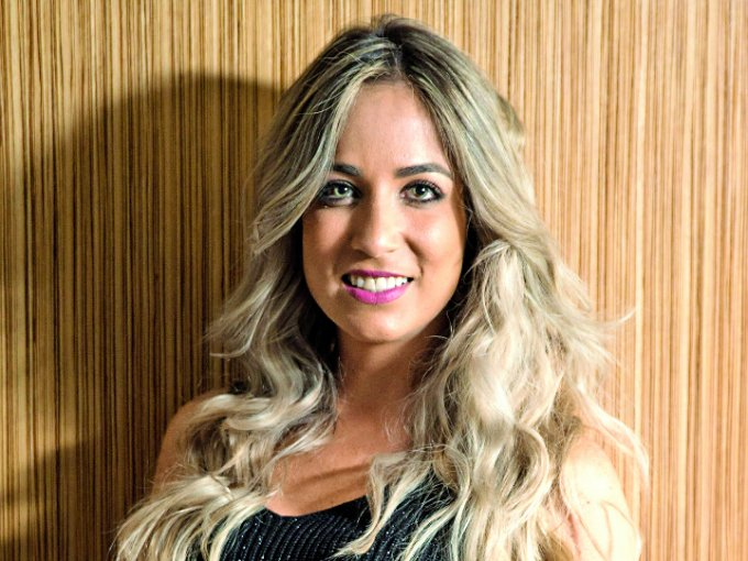 32. Paula Arango