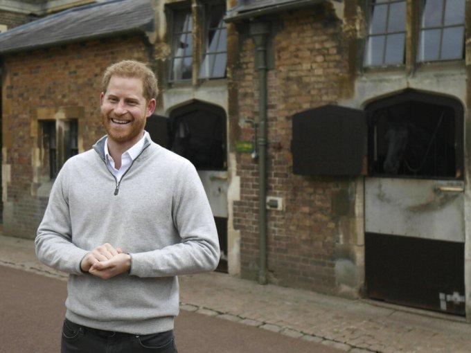 Harry dio un mensaje en el que dijo estar muy emocionado por haberse convertido en papá.