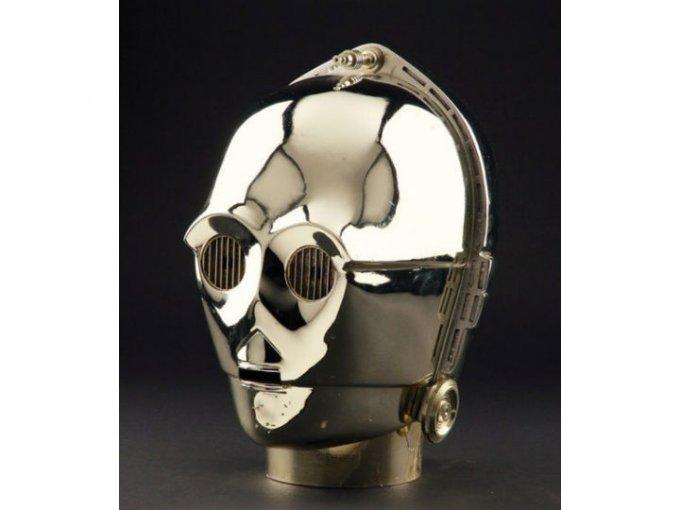 Un casco de C3PO y que era propiedad de un supervisor de props de Star Wars fue vendido en 120 mil dólares.
