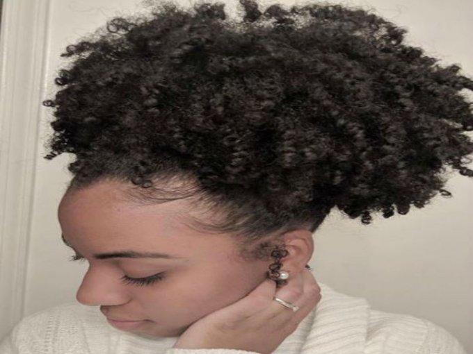 Peinado de piña: Este peinado es el favorito de la temporada.