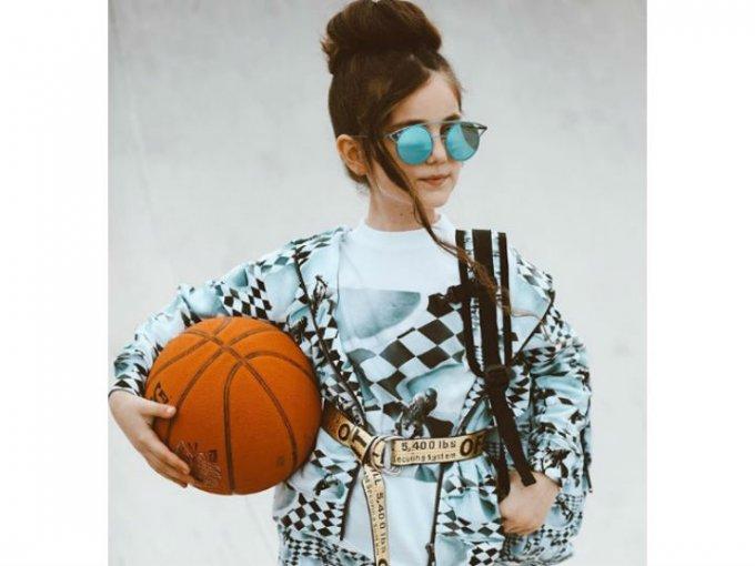 Su estilo la ha llevado a aparecer en revistas como Harper's Bazaar y Vogue.
