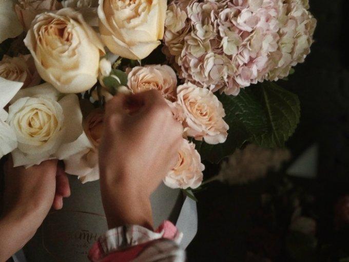 Las flores tienen la capacidad de comunicar mensajes y sentimientos; este es el significado simbólico de cada flor que escoges para un ramo.