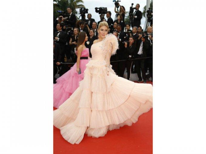 La actriz Hofit Golan escogió un vestido de tul color rosa que llamó la atención.