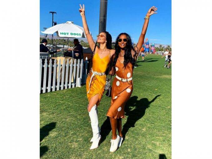 Las modelos Jasmine Tooks y Shanina Shaik.
