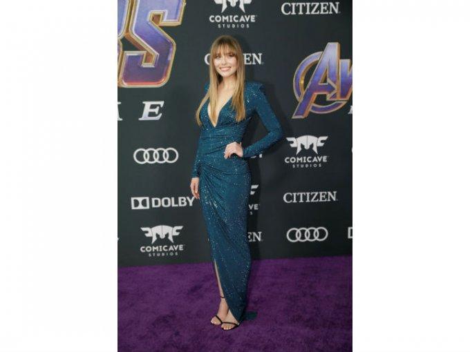 Elizabeth Olsen usó un vestido cruzado Alexandre Vauthier.