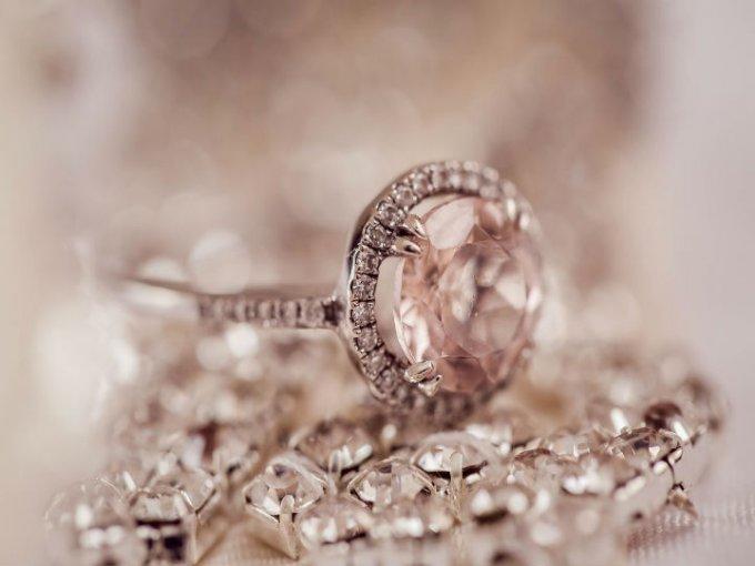 Oro rosa: Su color transmite ternura.