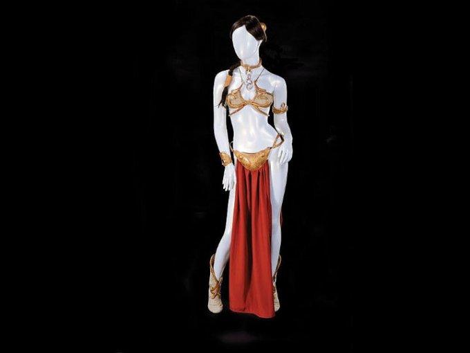 El traje de esclava de la princesa Leia que fue subastado tenía piezas originales, así como recreadas. Alcanzó un precio de 96 mil dólares.