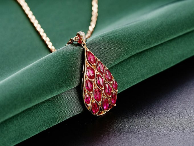 Rubí: Piedra preciosa con mayor dureza después del diamante.
