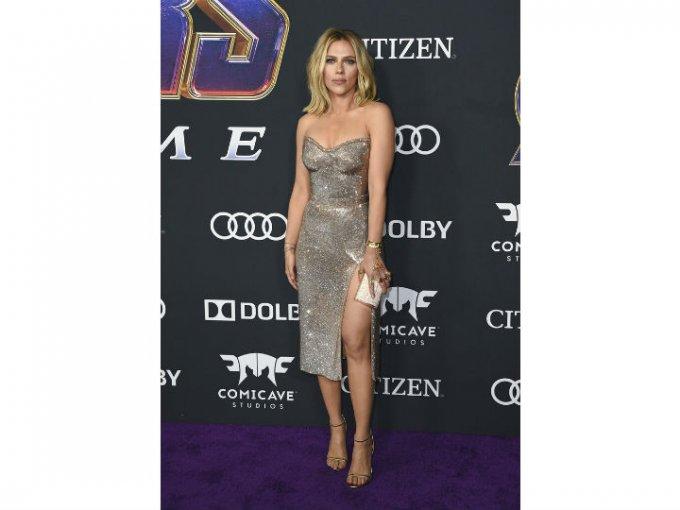 Scarlett Johansson portó un diseño Atelier Versace.