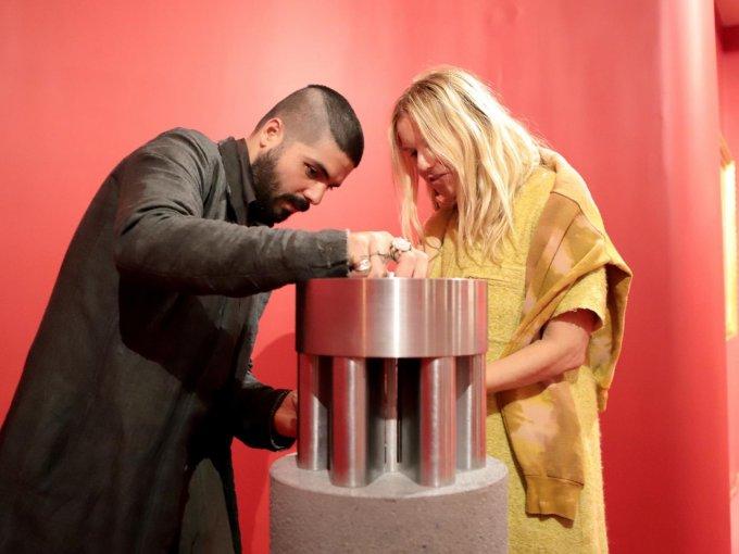 Christian González y Lucy Folk