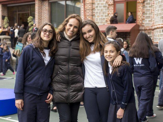 Regina Vázquez y Marisol García con Marisol e Isabella Garfias