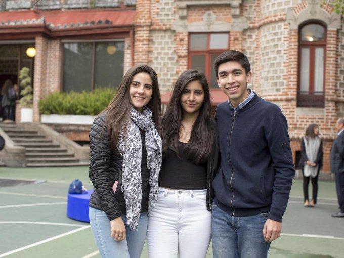 Paula Rey, Ximena Rodríguez y Francisco Castañeda