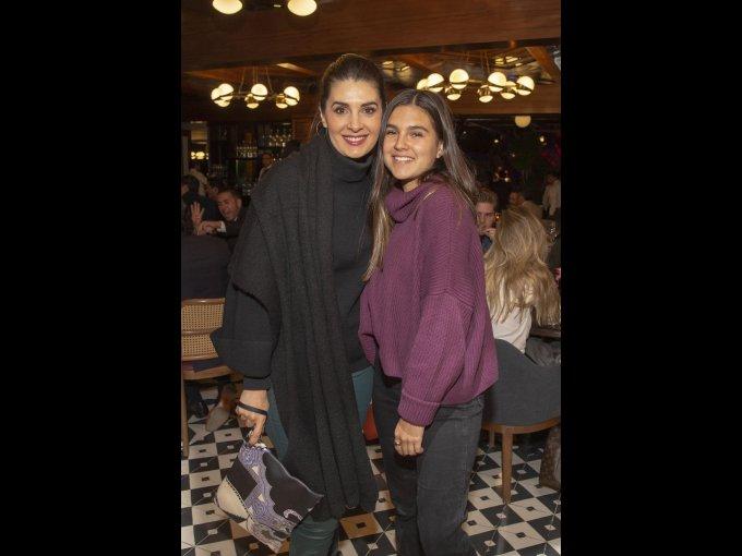 Mayrín Villanueva y Romina Poza