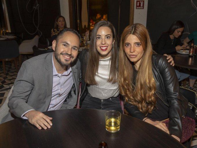 Agustín Quintanilla, Felisa Sánchez y Sofía Caballero