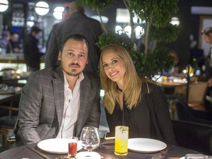 Juan Fresco y Karina Talancón