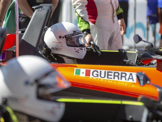 Es muy conocida la pasión por la velocidad de Carlos Slim Domit, razón por la que creó la escudería Telmex