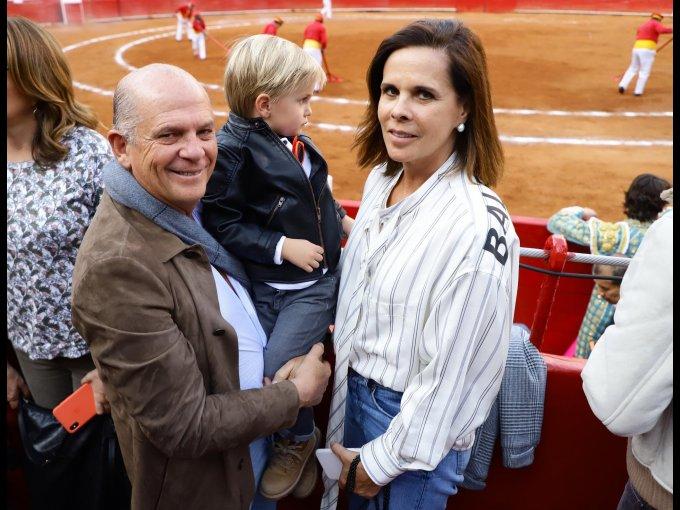 Javier y Javier Sordo Madaleno con Ana Paula de Haro
