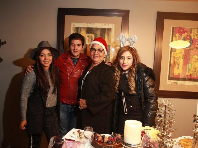 Lorena Galván, José Luis Colín, Bertha Martínez y Cinthia Galván