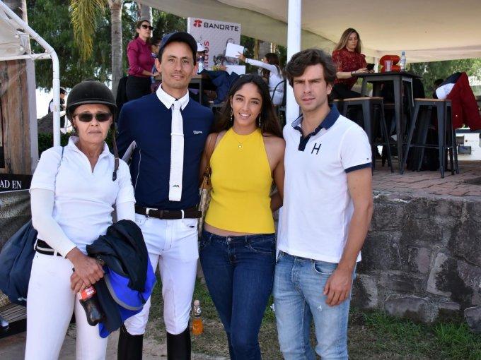 Andrea Morandín, Cristian López, María Kompalka y Eduardo Gallo