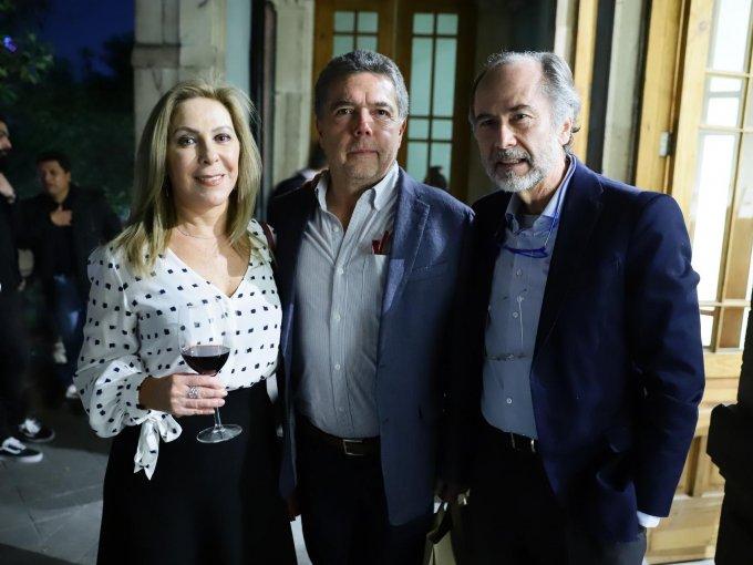 Yolanda y Jorge Torrentera con José Luis Reguera