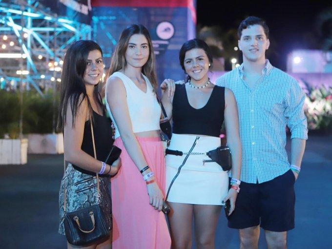 Paola Ampudia, María Paula Salcido, Alexa Ampudia y Patricio Quintana