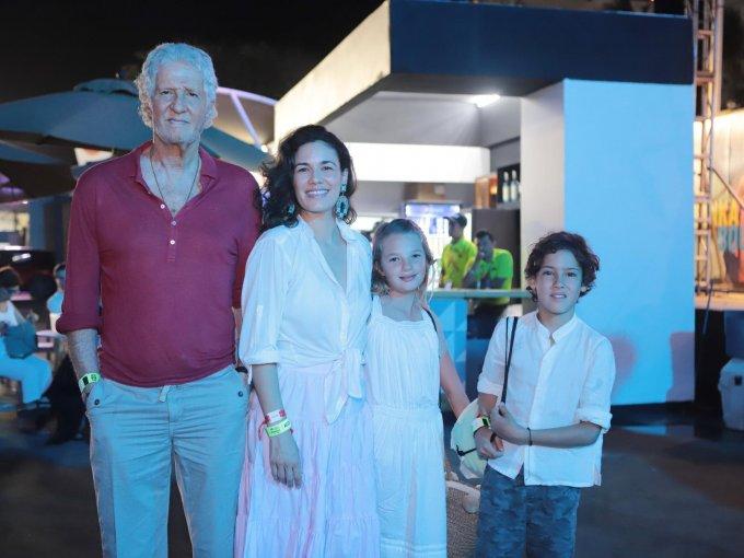 Joe Slim, Constanza Carrascal, Cloe López y Pedro Slim