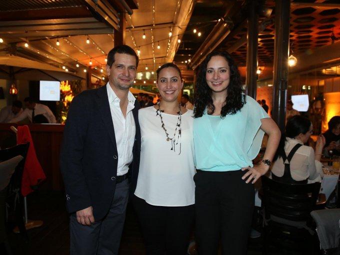 Raúl Corona, Adriana Rivas y Mónica Lois