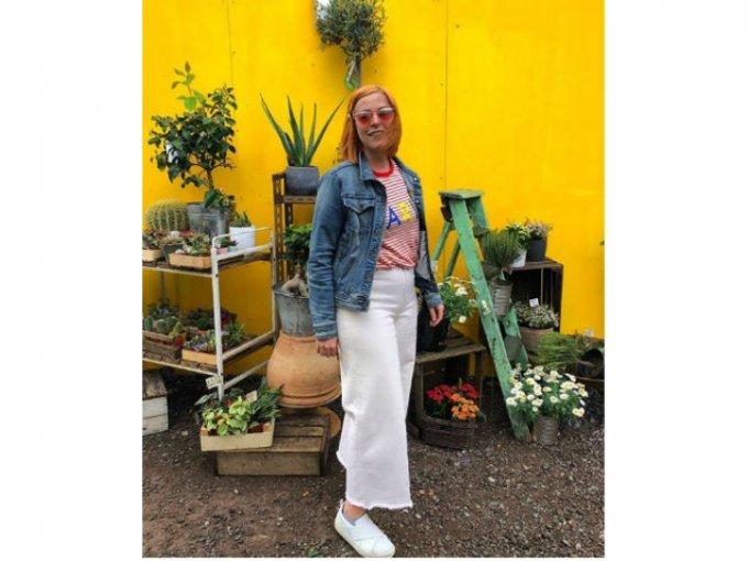 El estilo de moda debe ser a la cintura y puede ser entubado o amplio y acampanado.