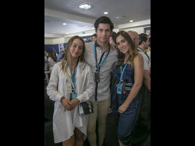 Andriana Gómez con Juan Carlos y Cristina Sustaeta