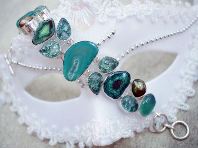 Cristal turquesa: Ideal para mamás jóvenes y con estilo.