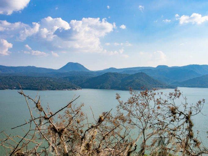 Valle de Bravo se caracteriza por ser el lugar ideal para relajarse y meditar.