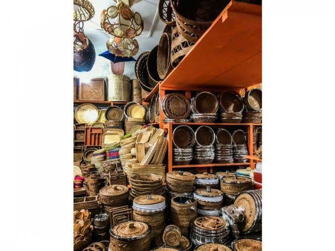 En el mercado puedes encontrar desde objetos de decoración hasta joyería.