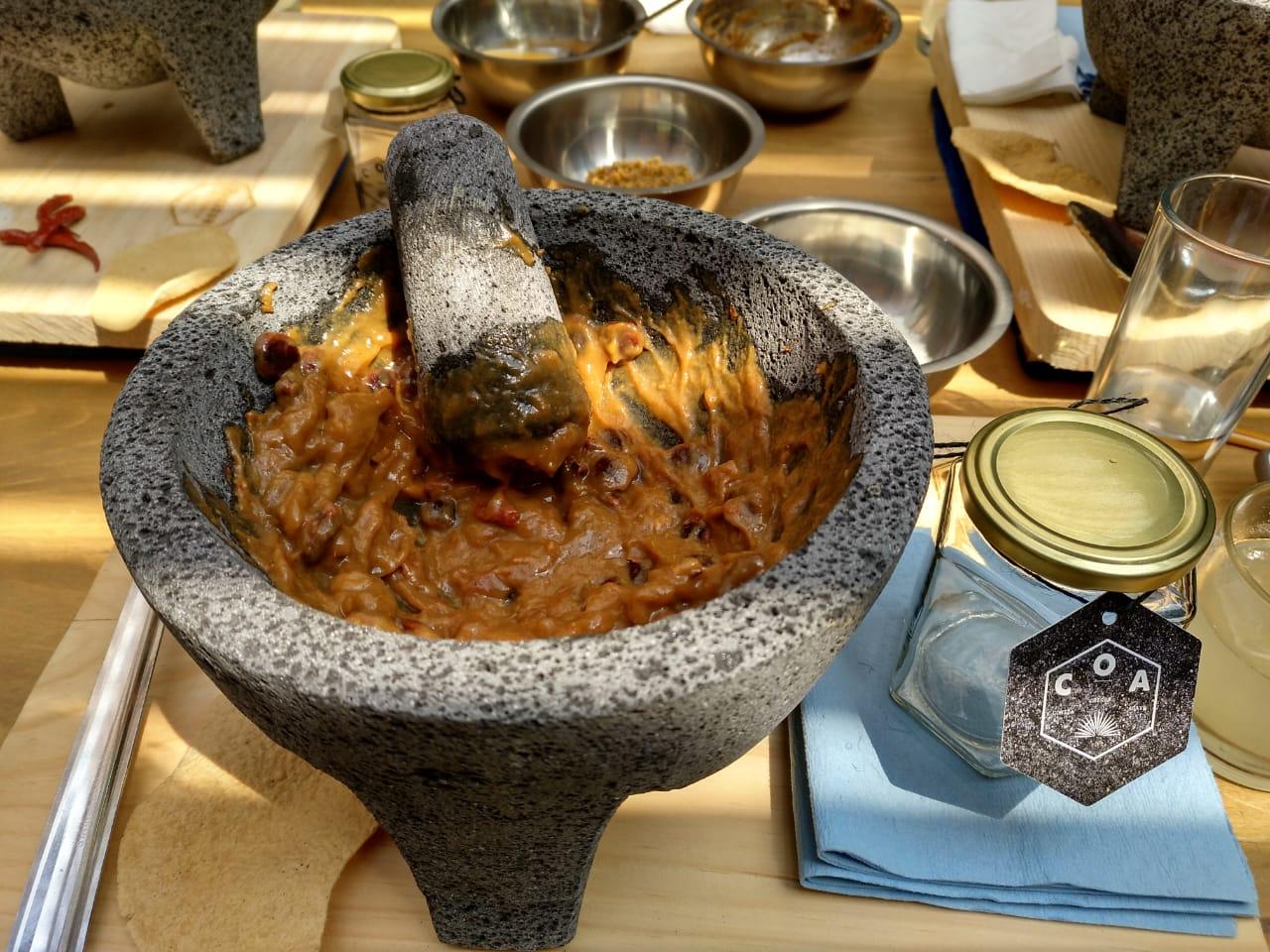 Chilmole hecho en molcajete / Foto: Shantal Romero